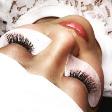 Tips For Taking Care of Your Eyelash Extensions